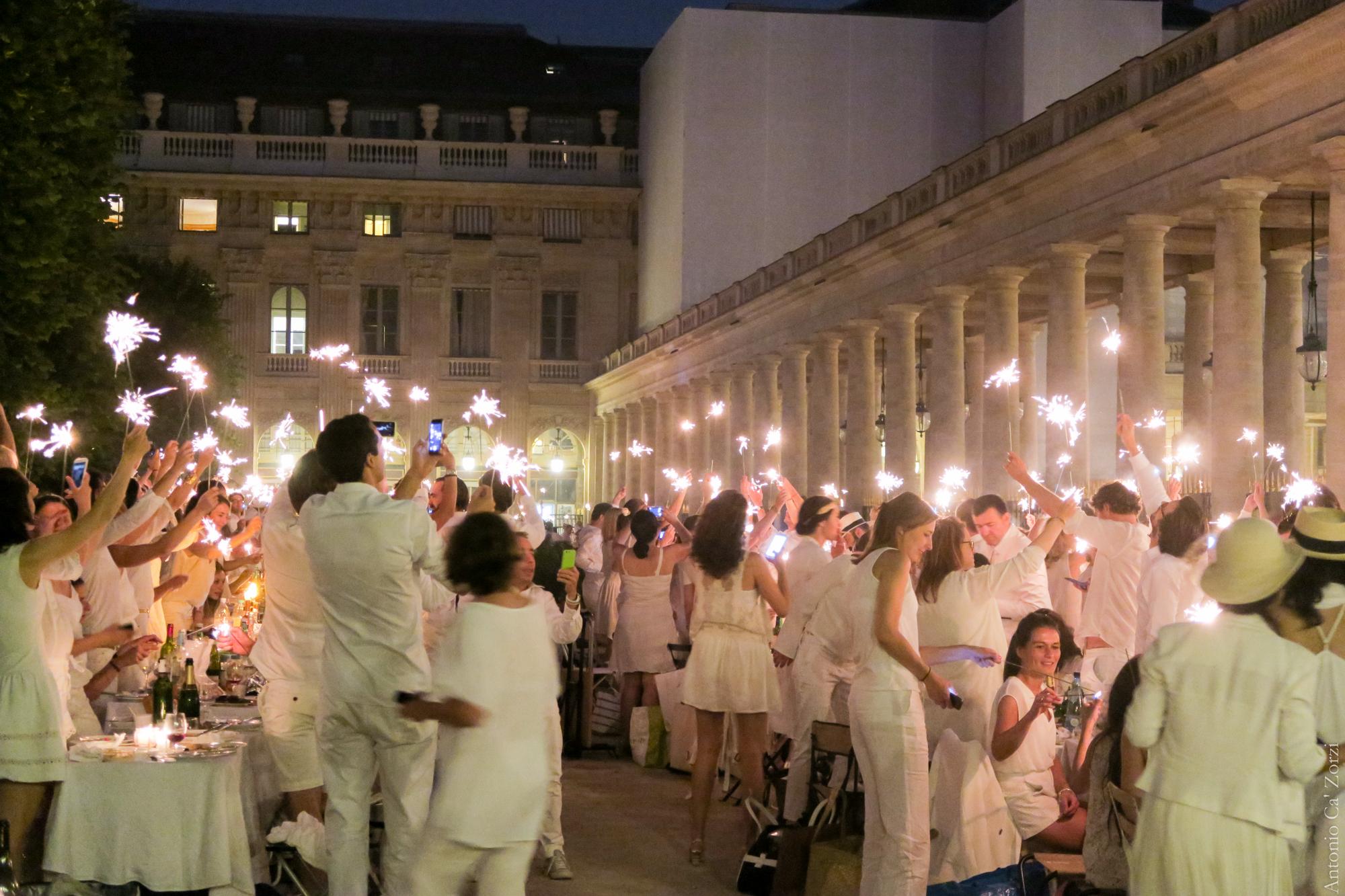wearing white weddings weddbook