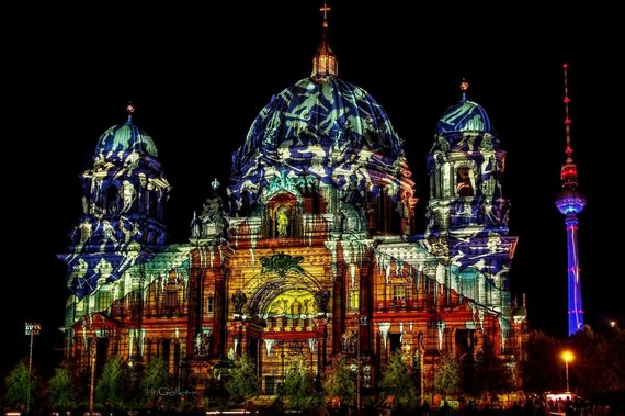 2015-09-04-1441382069-9025064-berlin_cathedral___festival_of_lights_2012_by_pingalleryd5itrpd.jpg