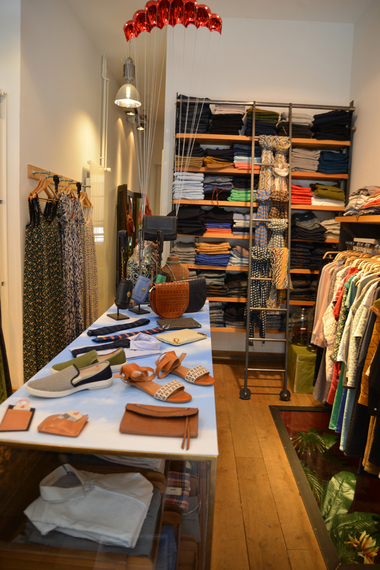 2015-09-04-1441390364-9690484-Boutique.jpg