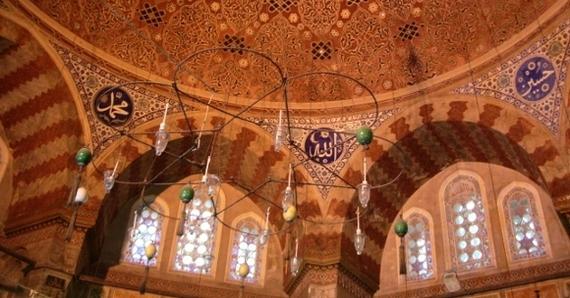 2015-09-06-1441504629-614461-mosqueinterioristanbul580x435.jpg