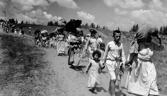 2015-09-07-1441614080-6875631-Refugees.jpg
