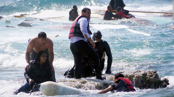 2015-09-07-1441666337-6067856-migrantcrisis0421super169.jpg