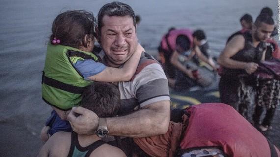 2015-09-07-1441666360-8311068-migrantcrisis.jpg