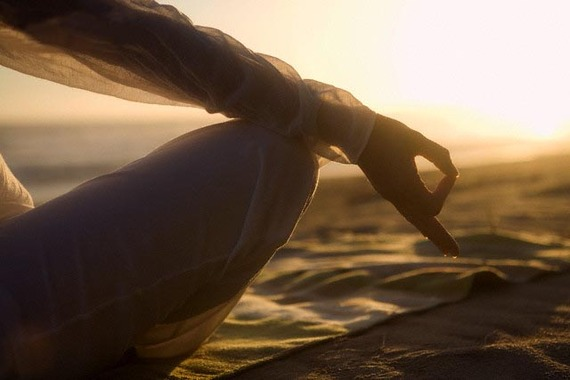 2015-09-08-1441746211-1029982-HealingThroughDepressionWithMindfulnessBehaviorMinaaB.jpg