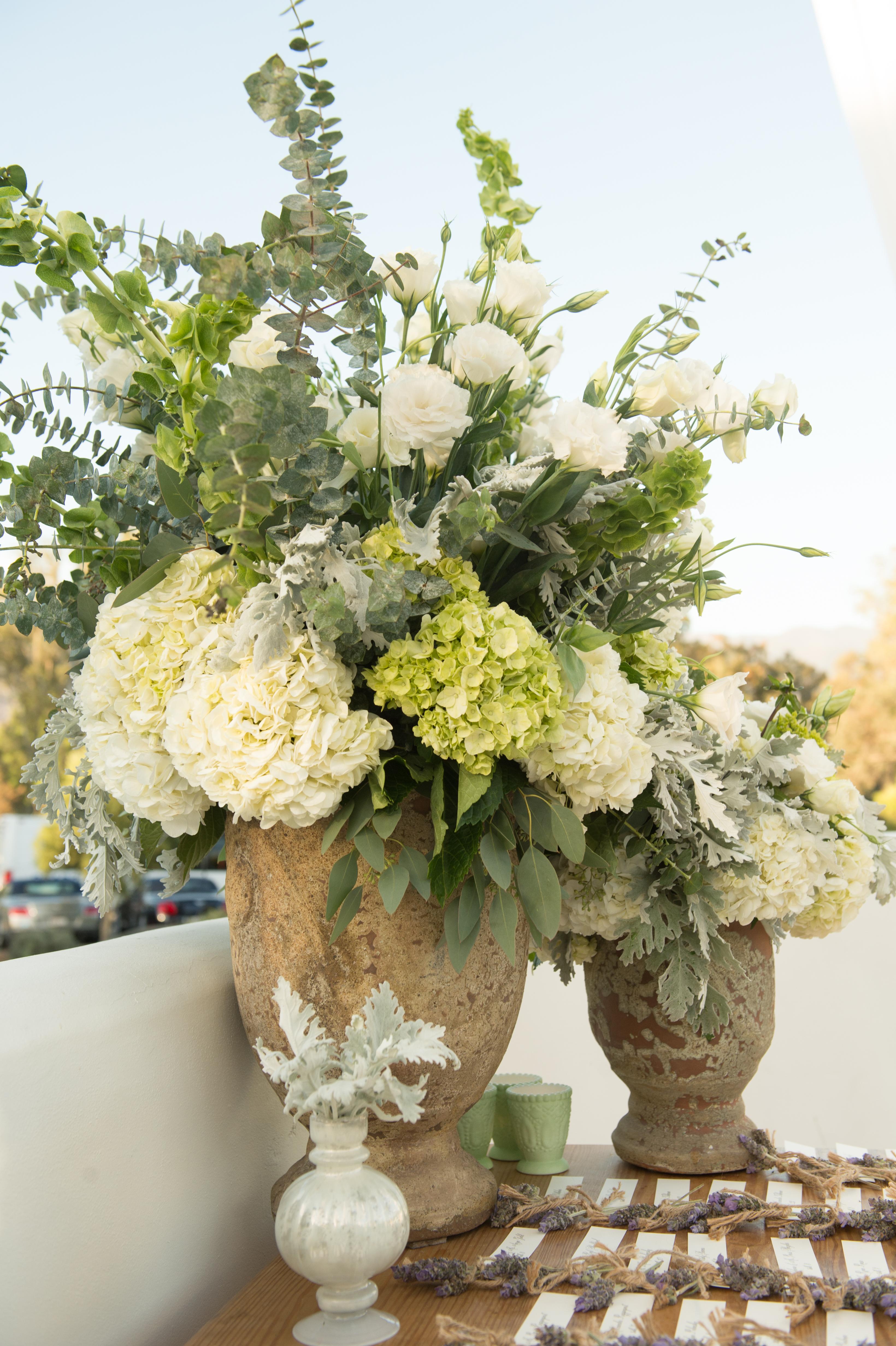 How to save money on your wedding flowers huffpost life how to save money on your wedding flowers izmirmasajfo