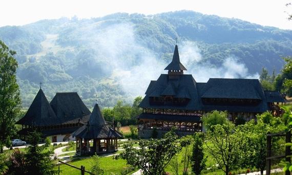 2015-09-11-1441945241-5703347-manastireabarsanascs.ubbcluj.ro.jpg