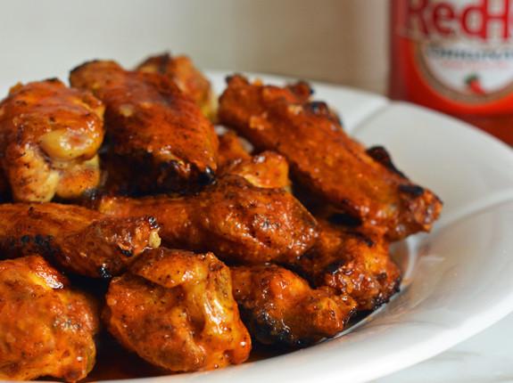 Grilled Buffalo Wings with Seasoned Buffalo Sauce