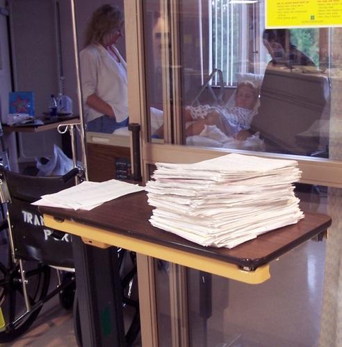 2015-09-14-1442240712-7607547-hospitalroom_boyle.jpg