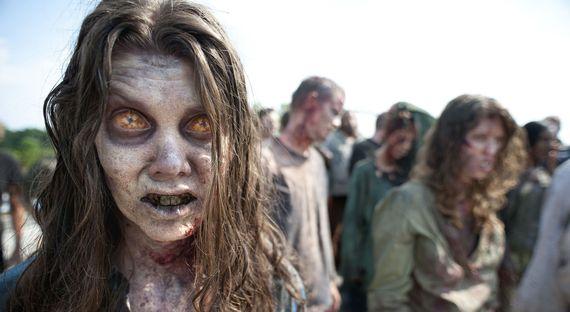 2015-09-15-1442324109-7005761-ZombiewomanWalkingDead_AP_Oct162013.jpg