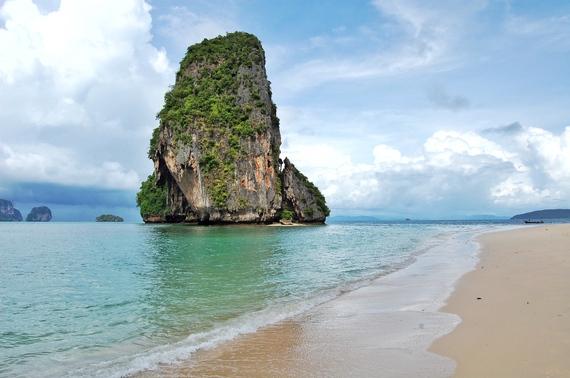 2015-09-16-1442437312-1142234-Spot_Happy_Island_Thailand_2.jpg