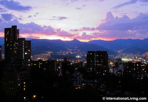 2015-09-18-1442584356-1109366-MedellinColombiaNight.jpg