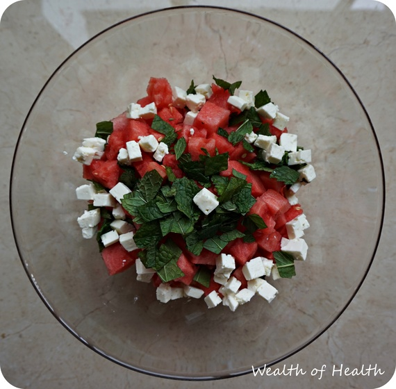 2015-09-20-1442776417-7121780-watermelonsalad2.JPG