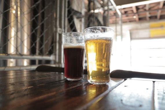 2015-09-21-1442876116-1818158-beerandbeer.jpg