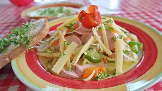 Колбасный салат по-швейцарски рецепты фото