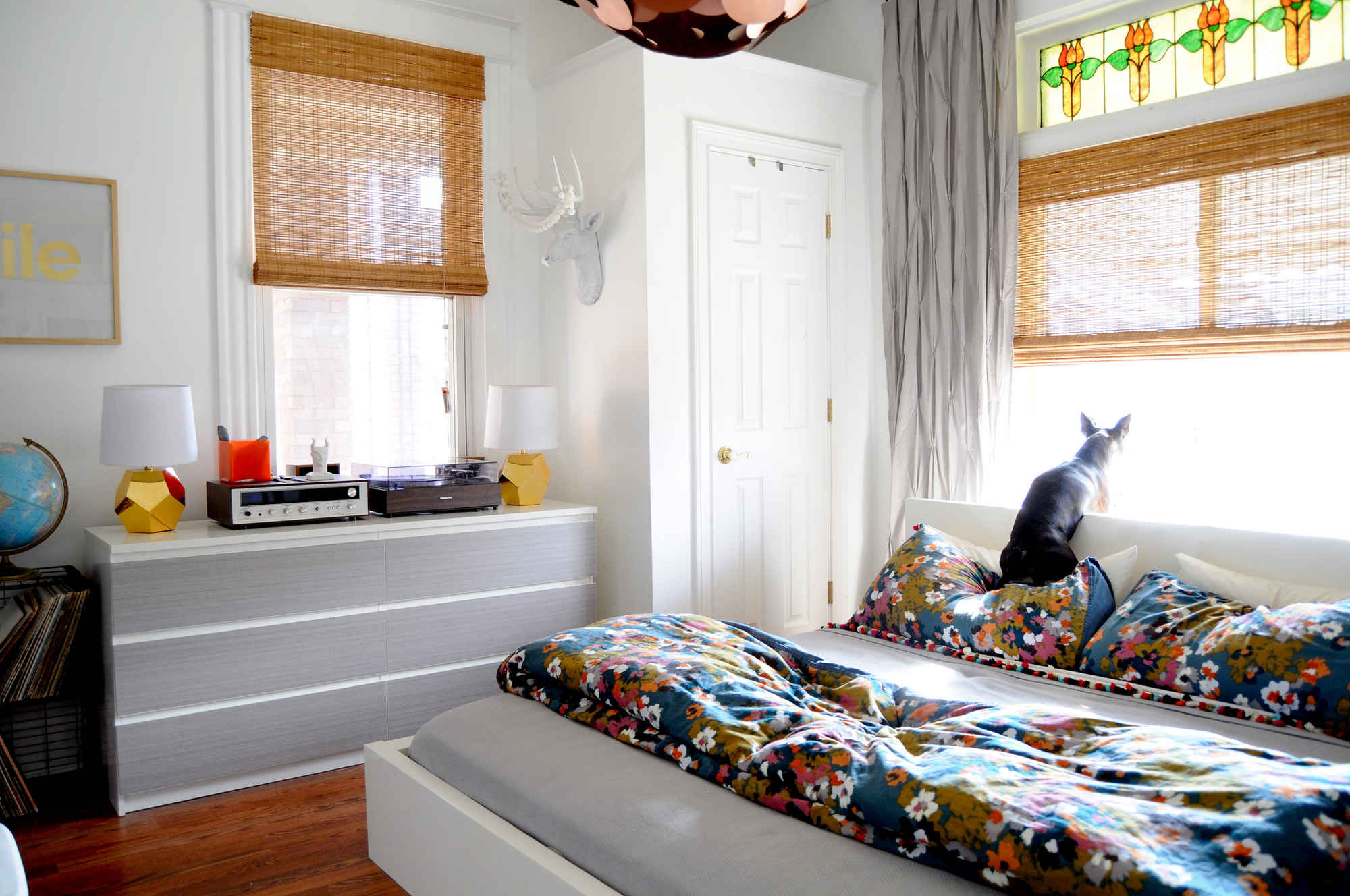 5 Ways To Make Your Small Bedroom Feel Bigger | HuffPost Life