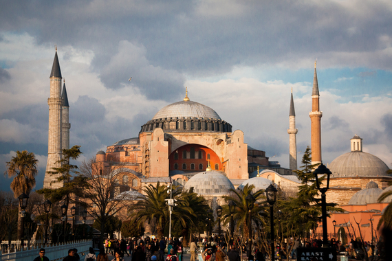 2015-09-24-1443106375-3108137-Istanbul_JonE.jpg