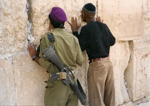 2015-09-25-1443173033-2732342-Jerusalem1995PrayingwithIDFsoldierfromGivatiBrigadesatWailingWallWesternWallKotel1.jpg