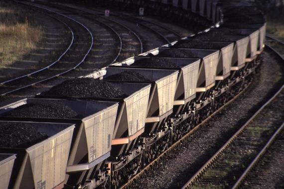 2015-09-25-1443179629-3362521-coalcarts.jpg