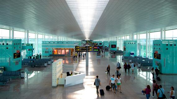 2015-09-25-1443203440-1844491-airportcancellationfeesairportinsidemhv2.jpg