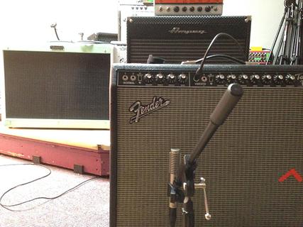 2015-09-26-1443230894-2036933-Fender700px.jpg
