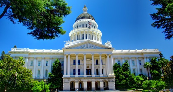 2015-09-28-1443429238-1196678-California_State_Capitol_Building__Full_Front_Facade750x400.jpg