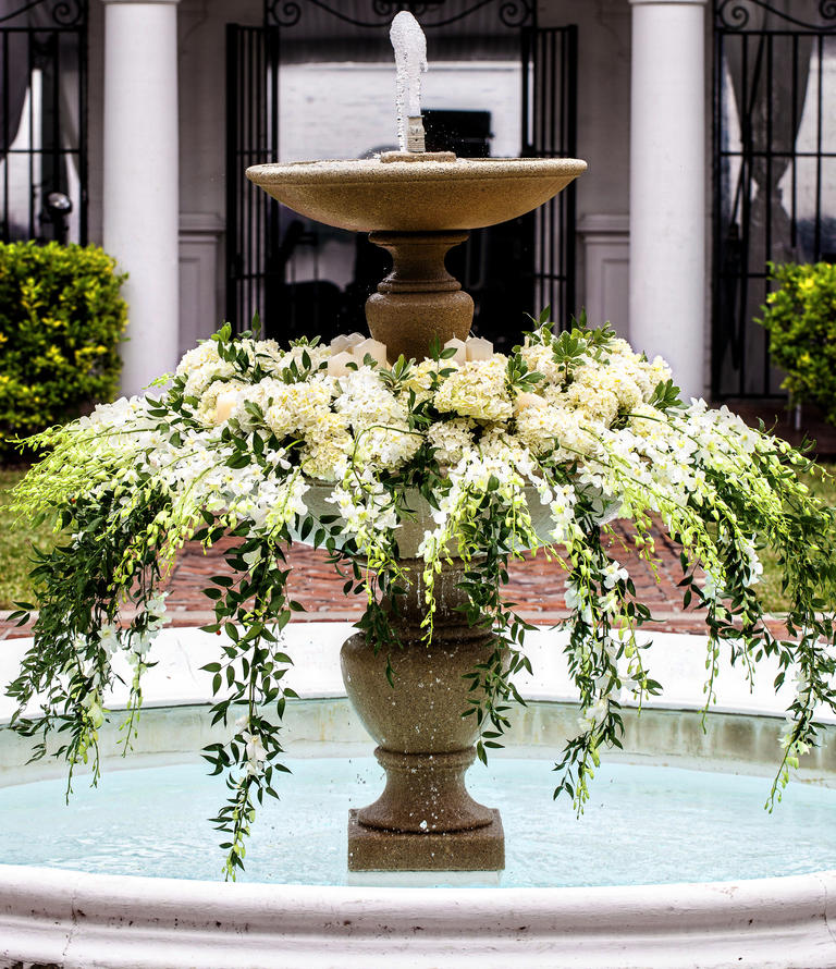 10 unexpected ways to use florals at your wedding huffpost for Floral wedding decorations ideas