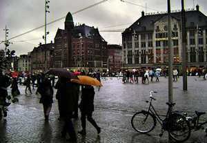 2015-09-29-1443540607-9458228-Amsterdaminrain.jpg