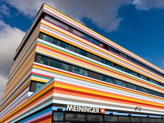 2015-09-29-1443562538-677852-254cae13459d1aff07e1556e7_MEININGER_Hotel_Berlin_Airport.jpg