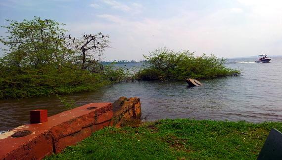 2015-09-30-1443623400-6777827-Uganda1.jpg