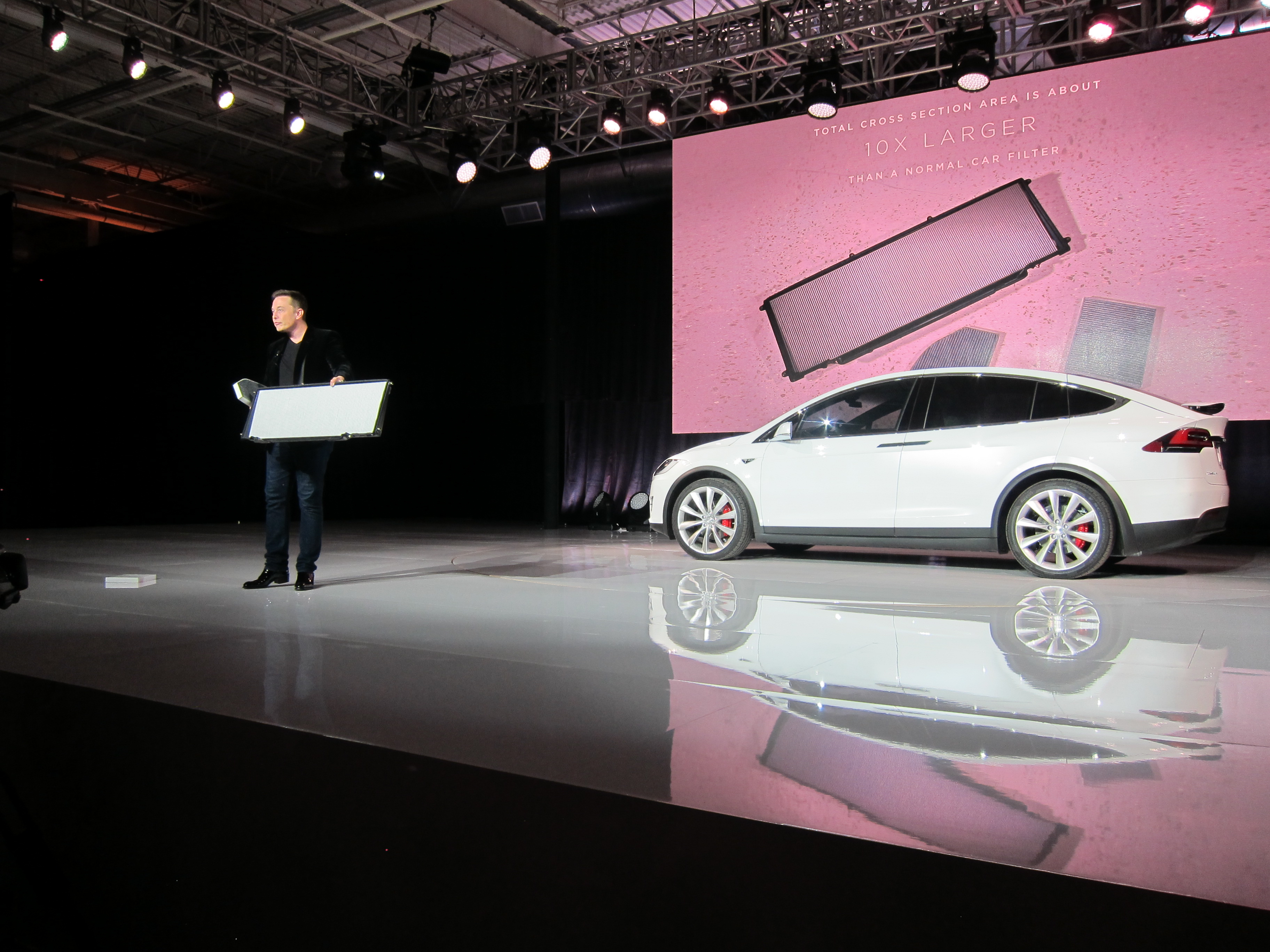 Tesla's Elon Musk Gives VW a Lesson in Clean Air at Model X Launch | HuffPost