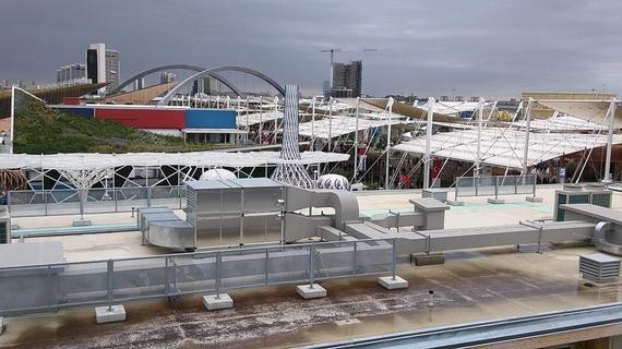 2015-10-05-1444011588-2414753-RooftopviewfromtheUSpavilion.jpg