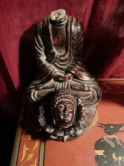 2015-10-06-1444138889-8534254-Headlessbuddha.jpg