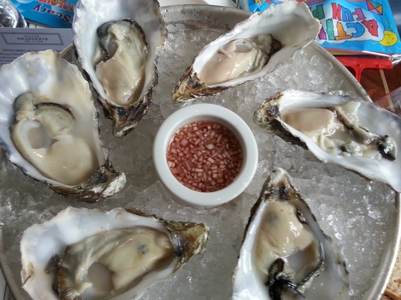 2015-10-07-1444223472-4963187-oysters.jpg