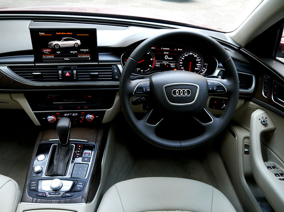 2015-10-10-1444477082-4573717-audia6matrix8.jpg