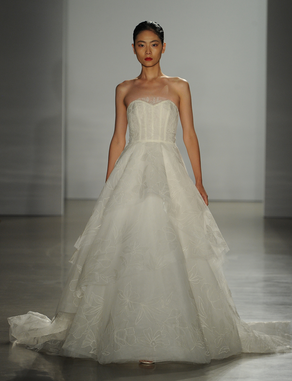 New Amsale Wedding Dresses Are Modern And Romantic - Weddbook
