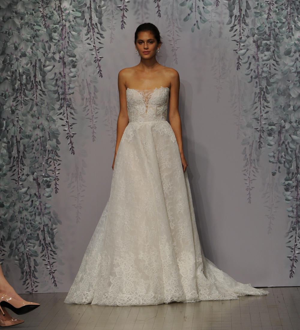 The Knot Wedding Gowns: Monique Lhuillier's Fall 2016 Wedding Dress Collection Is