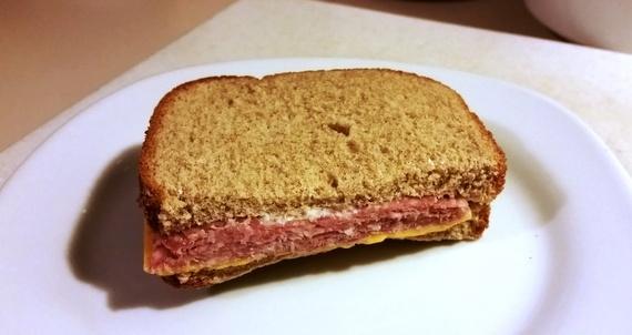 2015-10-14-1444796567-3031294-sandwich.jpg
