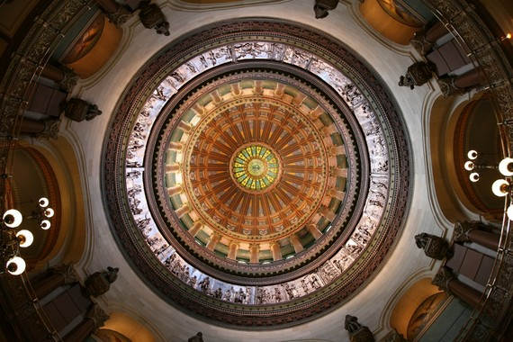 2015-10-14-1444834776-3396097-Illinois_State_Capitol_dome1200x800.jpg