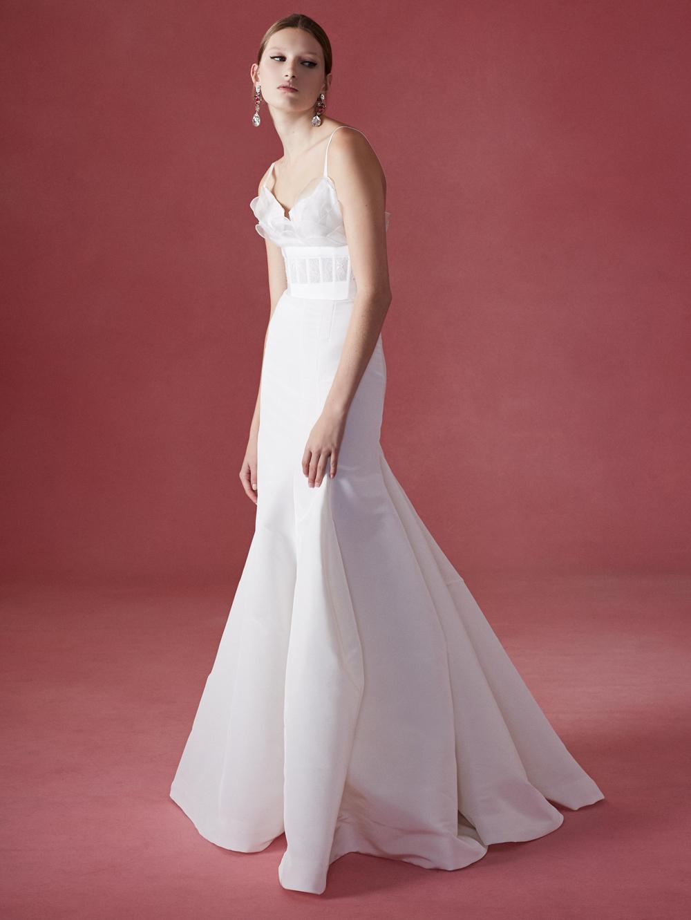 See Oscar De La Rentas Fall 2016 Wedding Dress Collection In Its