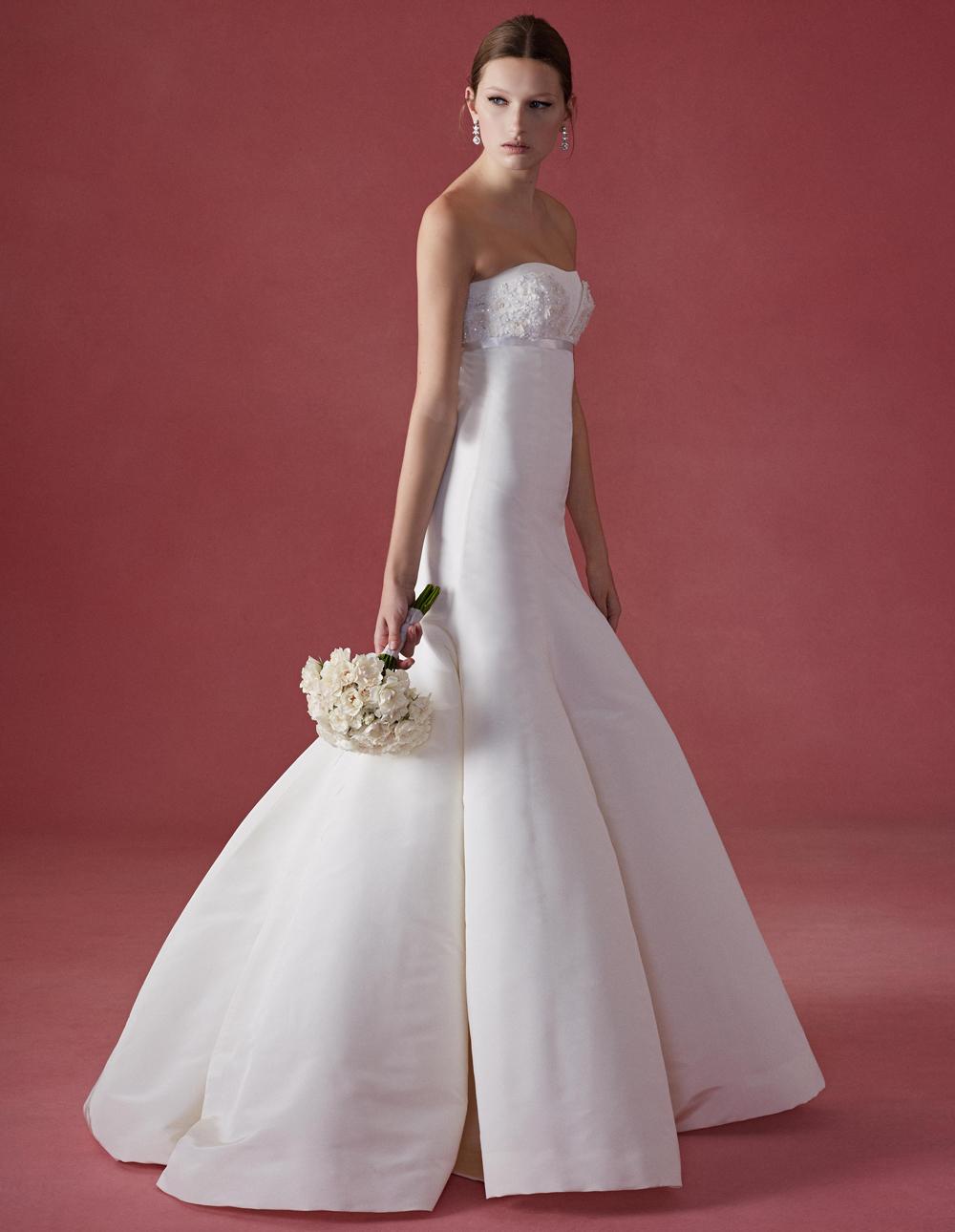 See Oscar De La Renta\'s Fall 2016 Wedding Dress Collection In It\'s ...