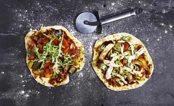 2015-10-15-1444899380-9603039-cauliflowercrustpaleopizzas.jpg