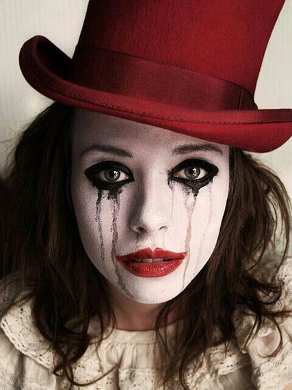 2015-10-15-1444919335-724872-sad_lady_clown.jpg
