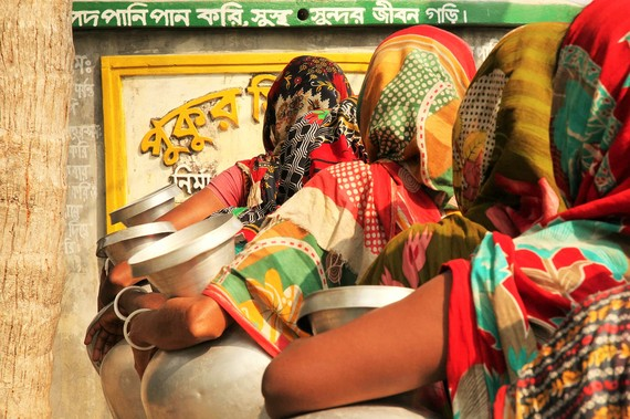 2015-10-15-1444924071-4161053-WaterHaleninBangladeshIRC.jpg