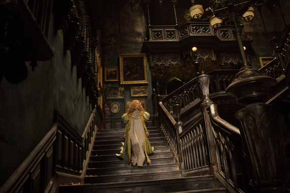 2015-10-16-1444964889-5904601-CrimsonPeakstaircaseMia.JPG
