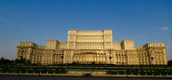 2015-10-18-1445178914-1821285-BucharestPalaceofparliament.jpg