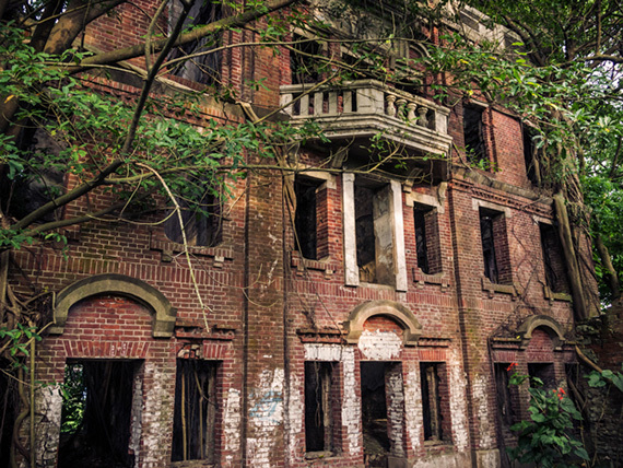6 creepy abandoned mansions from around the world huffpost