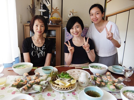 2015-10-20-1445333909-72283-reviewvietnamhuyen1.jpg