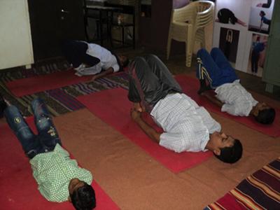 2015-10-20-1445341781-1338300-yoga.png