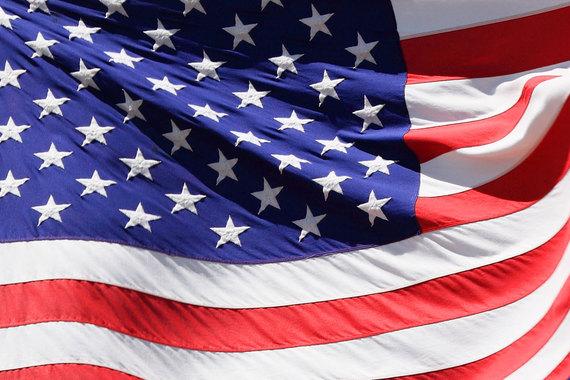 2015-10-23-1445623597-7639270-Americanflag.jpg