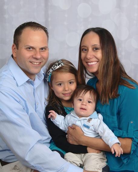2015-10-23-1445628812-7918221-Catherinefamilyportrait.jpg